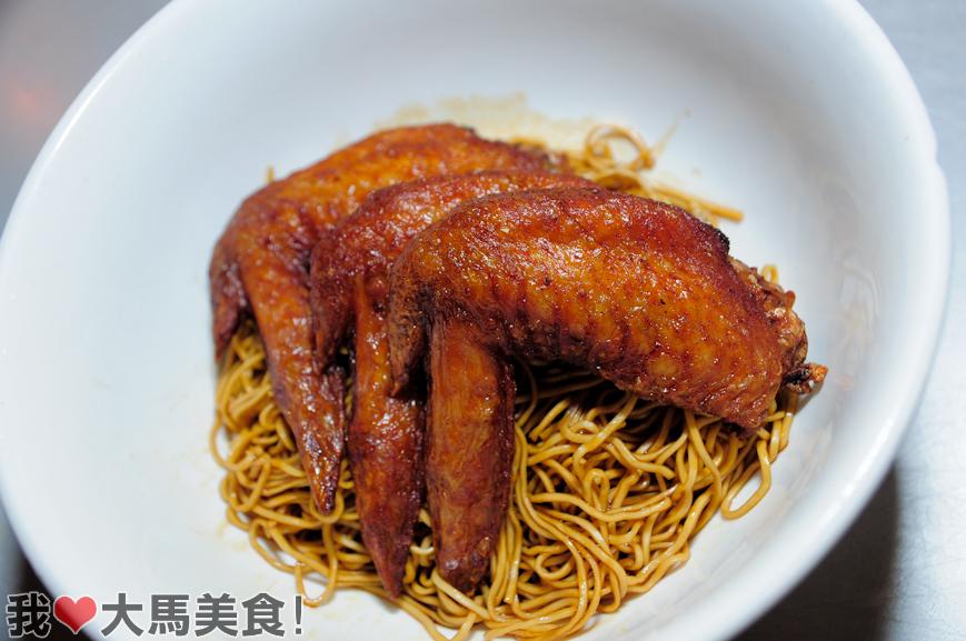 大利來記, Tai Lei Loi Kei, Lot 10 Hutong, 猪扒包, Pork Chop Bun, Sawdust Cake Dessert, 十号胡同